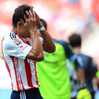 ¿SERÁ CHIVAS EL PRÓXIMO EN DESCENDER?: Guadalajara sigue en picada y ahora pierde 1-0 en casa ante Santos
