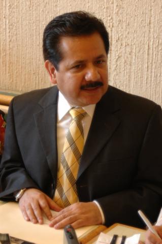 Luis Sánchez Jiménez, Senador por el PRD.