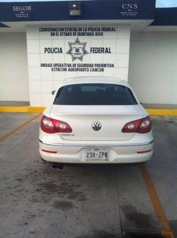 Localizan policías federales en Cancún auto robado con violencia en el Estado de México