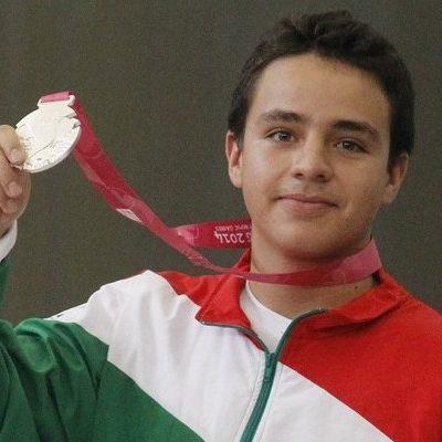 Gana mexicano José Valdés otra medalla de plata en Nanjing en prueba de rifle de aire