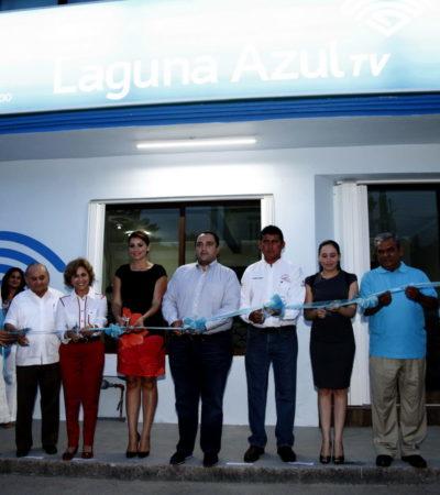 EL QUE MANDA, MANDA: Inaugura Borge negocio en Bacalar de una tía del ex Gobernador Félix González