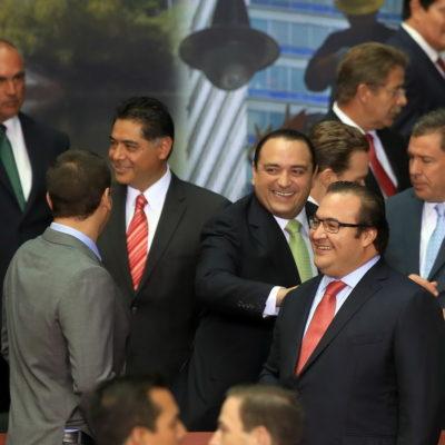 SE REGODEA BORGE DE LA ENTREGA PETROLERA: Sonriente, celebra Gobernador de QR como un hito la reforma peñista