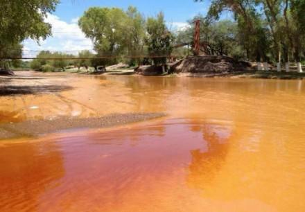Piden cancelar concesión de mina a Grupo México por derrame de sustancia tóxica en ríos de Sonora