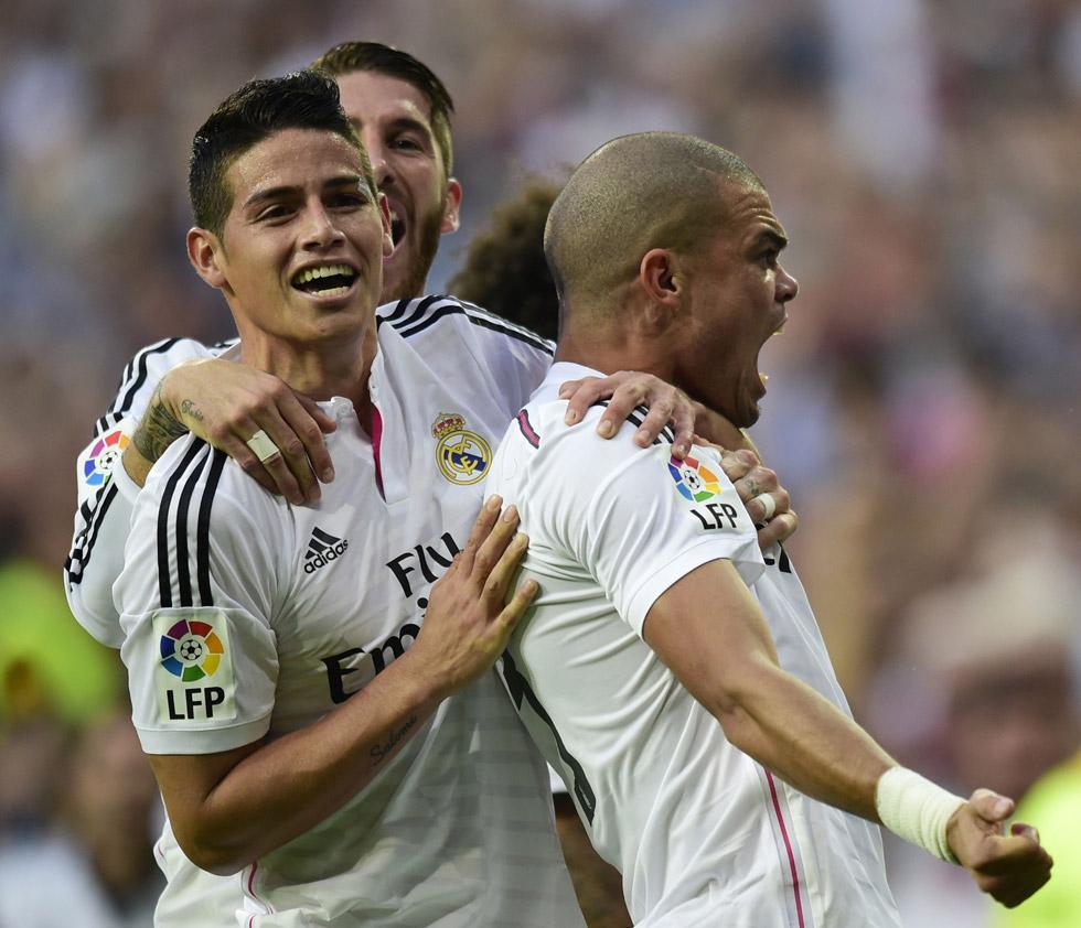 SE IMPONE REAL MADRID AL BARCELONA: El equipo merengue derrota 3-1 al azulgrana en el primer clásico de la liga española