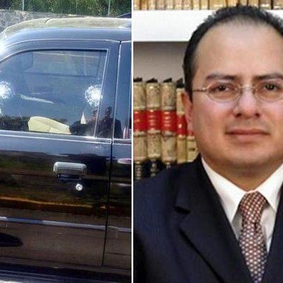ATENTADO EN CIUDAD UNIVERSITARIA: Disparan contra camioneta blindada del académico Ernesto Villanueva; salió ileso
