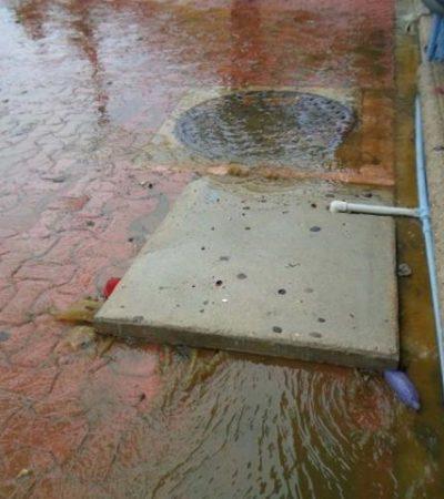 REAPARECEN DEFICIENCIAS POR AGUACEROS: Provocan lluvias desbordamiento del drenaje en zona turística de Playa