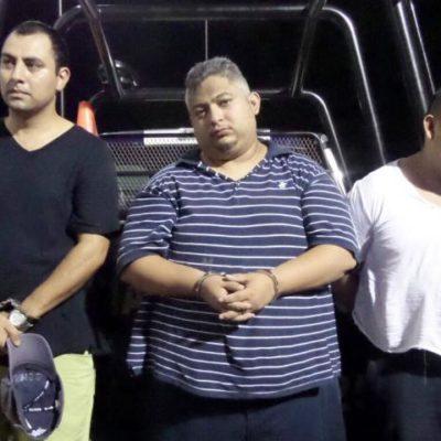 CAEN PRESUNTOS SECUESTRADORES EN PLAYA: Detienen a 3 taxistas por rapto de mujer e hija por las que pedían $500 mil
