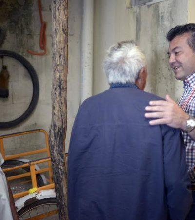 LAS 'PRECAMPAÑAS': Mauricio Góngora sale a las calles a saludar y dar abrazos para no rezagarse en la carrera por la sucesión