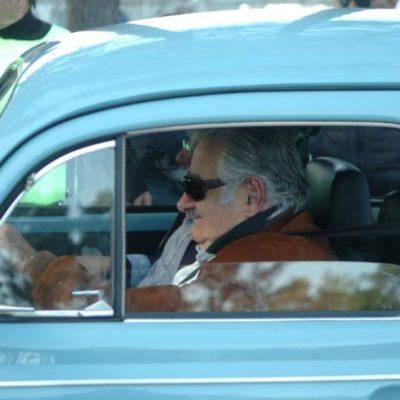 UN 'FUSCA' PARA LA HISTORIA: Ofrecen 1 mdd por el 'vocho' del Presidente José Mujica… y socio de Félix González 10 camionetas