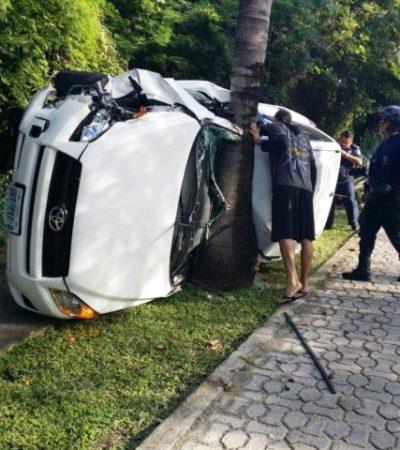 APARATOSO ACCIDENTE EN PLAYACAR: Rescatan a joven argentino que quedó prensado al chocar contra palmera por exceso de velocidad