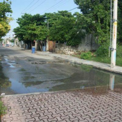 Denuncian a hotel Marea Azul por contaminación con aguas negras en Playa del Carmen