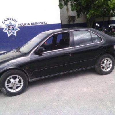 Consignan a par de presuntos robacarros en Cancún