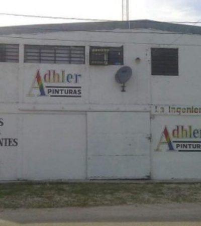 ASALTO A MANO ARMADA EN CANCÚN: Empistolados saquean tienda de pintura en la Región 97