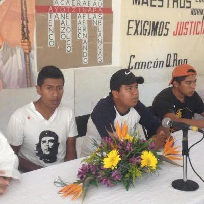 """""""ESTO NO ES UNA LLAMARADA DE PETATE"""": Desde Cancún, normalistas de Ayozinapa advierten que no permitirán 'carpetazo' a los desaparecidos"""