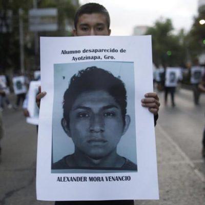 LOS RESTOS SÍ SON DE ALEXANDER MORA VENANCIO: Confirma PGR la muerte de uno de los 43 normalistas desaparecidos de Ayotzinapa