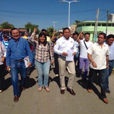 CIERRAN FILAS EN TORNO A DOMINGO: Perredistas protestas en Chetumal contra persecución política al ex Alcalde de JMM
