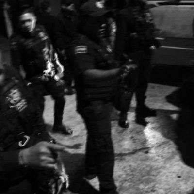 TENSIÓN EN CHILPANCINGO: Federales se enfrentan con normalistas previo a concierto por Ayotzinapa