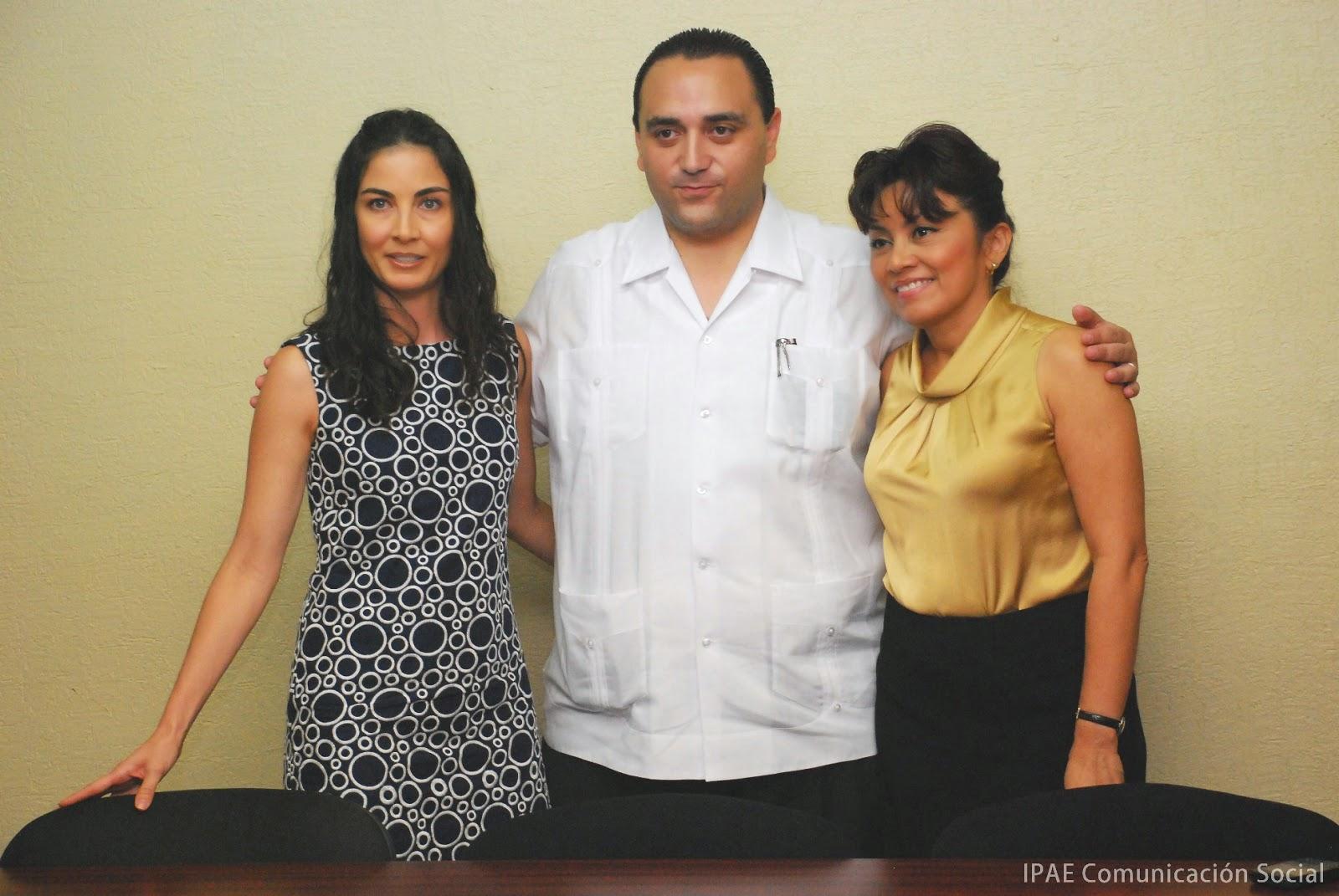 CLAUDIA ROMANILLOS, ROBERTO BORGE Y GINA PATRICIA ORTIZ BLANCO.