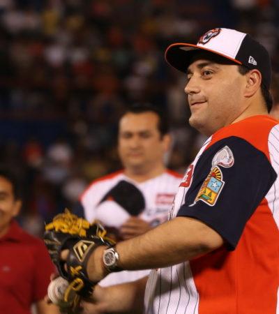 Viaja Gobernador a San Diego para cabildear la incorporación de segunda franquicia de beisbol para Chetumal