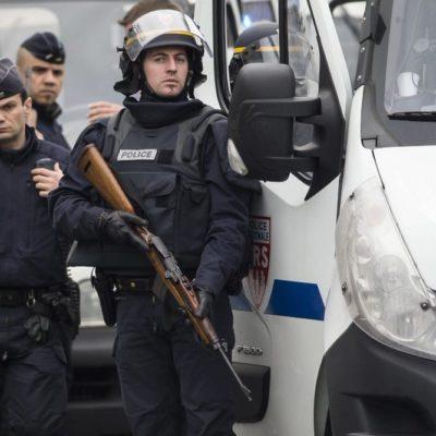 EMERGENCIA EN FRANCIA: En doble acción, policía abate a supuestos extremistas vinculados con ataque a 'Charlie Hebdo'