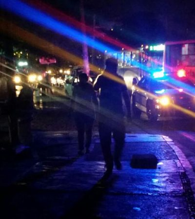 ¿BOMBAS 'MOLOTOV' CONTRA SEDE DEL GOBIERNO?: Marchan jóvenes anarquistas en Cancún contra alza al transporte y por Ayotzinapa y detienen a 4