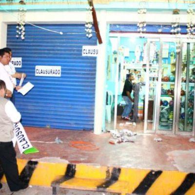 Agreden 'jaladores' de joyería a turistas en la Quinta Avenida para obligarlos a comprar; 2 detenidos