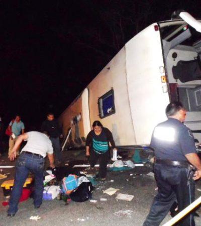 VOLCADURA FATAL EN CARRETERA: Se accidenta en Escárcega autobús que salió de Playa del Carmen; 3 muertos y 15 heridos