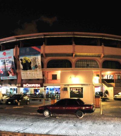 BALAZOS EN LA PLAZA DE TOROS DE CANCÚN: Asalto y persecución termina en zona de bares con un hombre herido y 2 detenidos