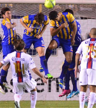 UNOS VUELAN, OTROS SE DESBARRANCAN: San Luis le pega duro al Atlante en su propia casa y lo derrota 3-0