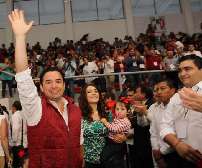 ELIGE PRI A SUS CANDIDATOS EN QR: Formalizan nominación de 'Chanito' Toledo en el Distrito 01 y de Arlet Mólgora en el 02