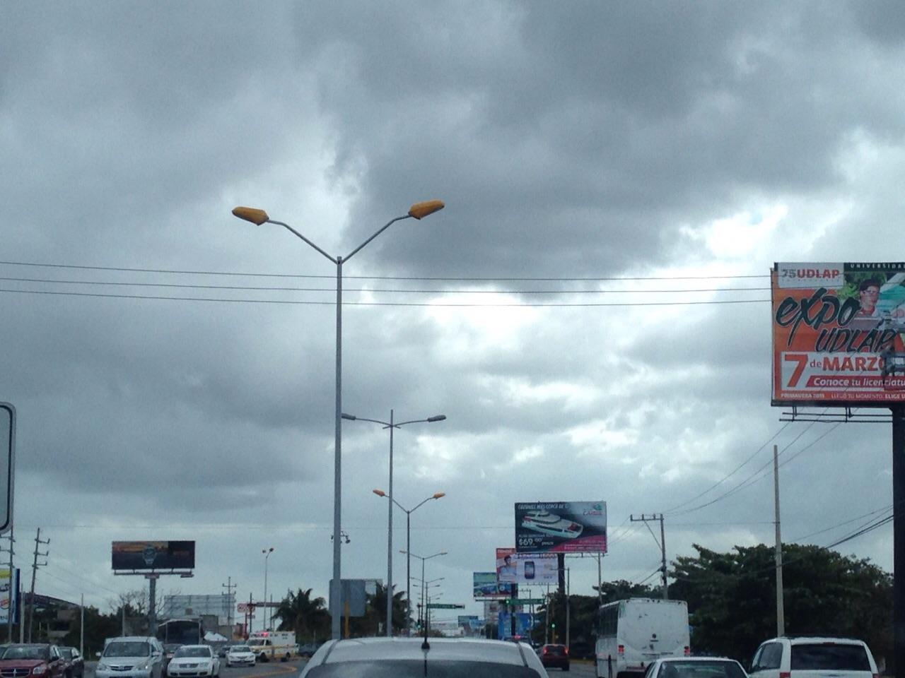 MUEVEN PARTIDAS A DISCRESIÓN: Embonan presupuesto ambiental para más luminarias en bulevard cancunense; 20 mdp para luces que dejan sombras
