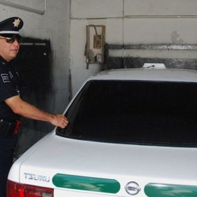 Inicia en Cancún 'cacería' de vehículos de carga y taxis con polarizados