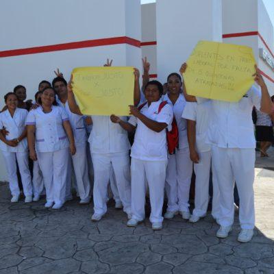 ALZAN LA VOZ LOS ENFERMEROS: Protestan en Hospital General de Chetumal por atraso en salarios y carencia de material