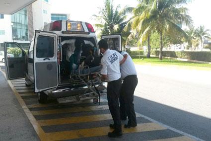 TRÁGICAS VACACIONES: Fallece en hospital turista coreano tras ser arrastrado por el oleaje frente al hotel Riu