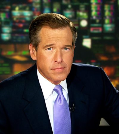 Por exagerar sobre un ataque en Irak, presentador estrella de noticias de la NBC renuncia