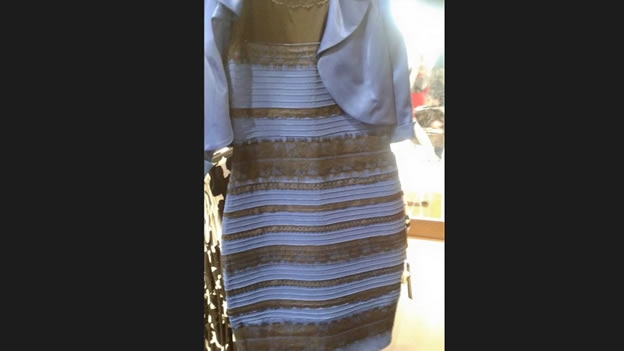 ¿AZUL O DORADO… O MUCHA GENTE SIN QUEHACER?: El debate sobre el color de un vestido se roba la atención de internet