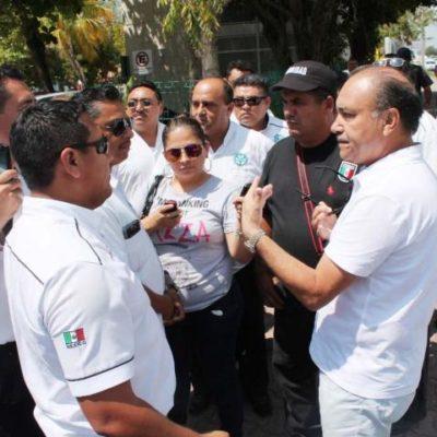 TAXISTAS BLOQUEAN PLAYACAR: Regresan las 'broncas' entre 'chafiretes' y el exclusivo complejo hotelero en Playa