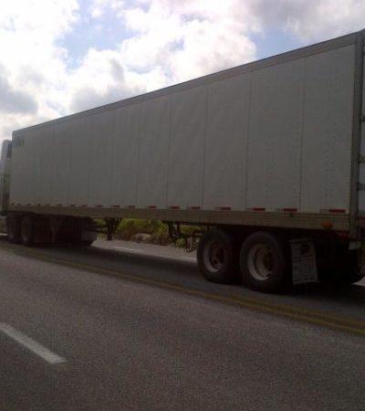 INSEGURIDAD EN CARRETERAS: Abandonan en la vía Chetumal-Escárcega tráiler robado en Xpujil