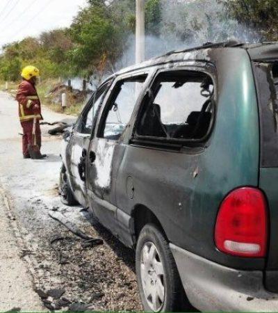Arde camioneta en carretera federal Cancún-Playa