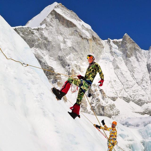 Por una avalancha provocada por el terremoto de Nepal, fallece en el Everest un ejecutivo de Google