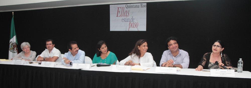 """""""ELLAS ESTÁN DE PASO"""": Exitosa presentación en Cancún del nuevo libro de Agustín Labrada con entrevistas a mujeres destacadas"""