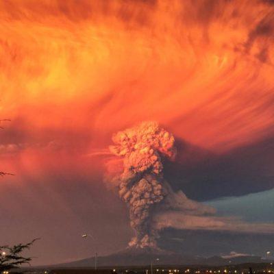 La erupción del volcán Calbuco mantiene en vilo el sur de Chile y Argentina