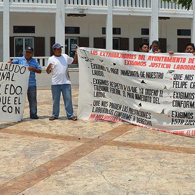 MANTIENEN PLANTÓN EN PALACIO DE GOBIERNO: Ex trabajadores de FCP cumplen 8 días de protestas en reclamo de liquidaciones
