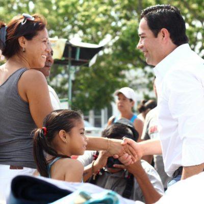 En Cancún, plantea Toledo Medina bajar más recursos federales e internet gratuito en escuelas públicas de QR