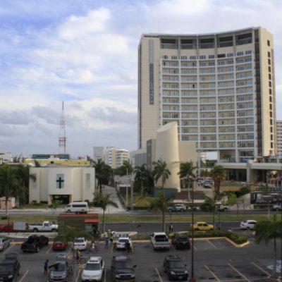 SUICIDIO DE TURISTA EN EL KRYSTAL: Se lanza un hombre desde el noveno piso de hotel en Cancún