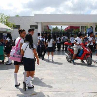 Demandan en Tulum pago de becas a estudiantes del Cecyte
