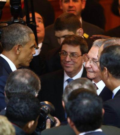 UN SALUDO CON MEDIO SIGLO DE ESPERA: Obama y Raúl Castro inician en Panamá nueva era entre EU y Cuba