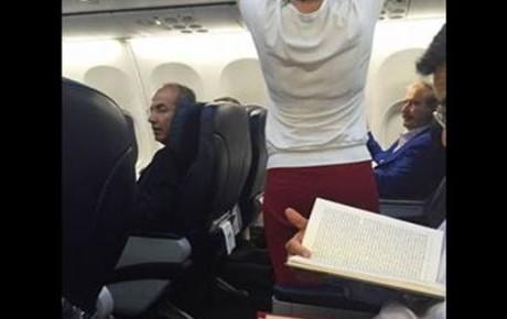 SEPARADOS POR UNA FILA: Coinciden ex presidentes Calderón y Fox en el mismo vuelo procedente de Miami