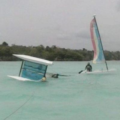 TREMENDO SUSTO: Rescatan a pareja de náufragos en la laguna de Bacalar