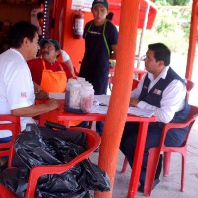 Muerto el niño, Cofepris se lanza a inspeccionar asaderos en Bacalar para descartar presencia de más pollo contaminado